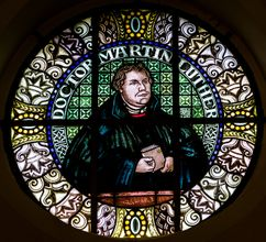 Martin Luther T306192.jpg